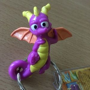 Spyro the Dragon keychain with collector card 2007